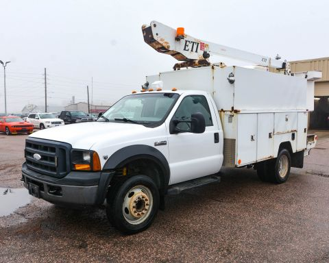 Pre-Owned 2007 Ford Super Duty F-450 DRW RWD Regular Cab Chassis-Cab